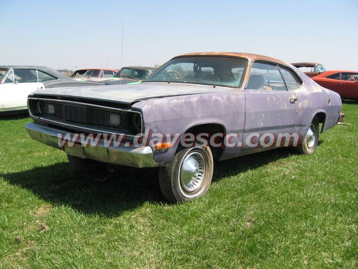 Mopar Muscle at it's best - 72 Duster